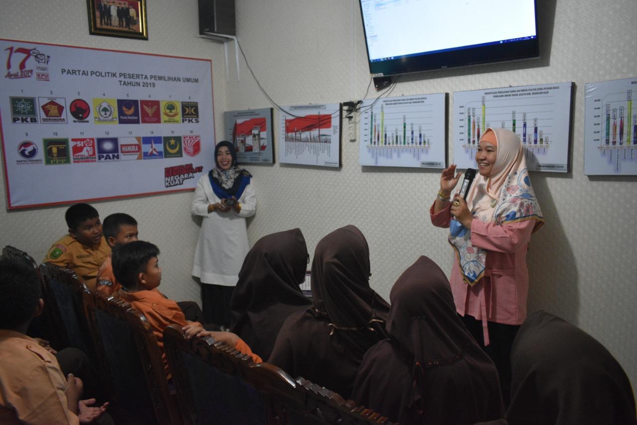 Kunjungan SDN 032 Tembilahan Ke KPU Kabupaten Indragiri Hilir (22-01-2020)